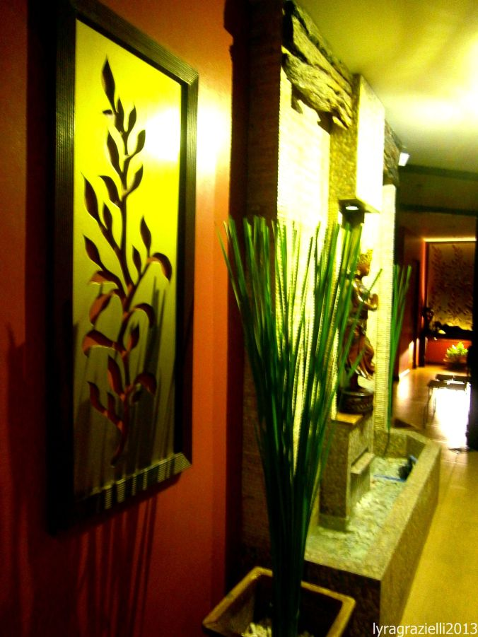 The hallway at the massage section of Skinetics.